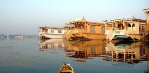 Deluxe house boats