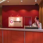 travelodge-sydney-hotel-reception-desk-1-2010