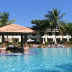 holiday-inn-goa-pool-view4